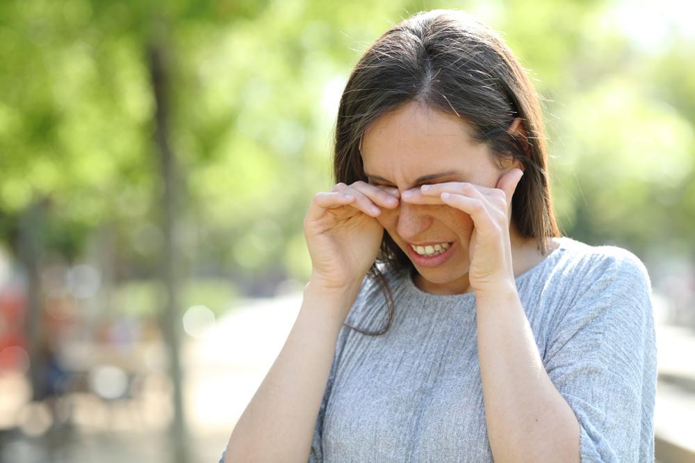 Zespół suchego oka (ZSO): przyczyny, objawy, leczenie